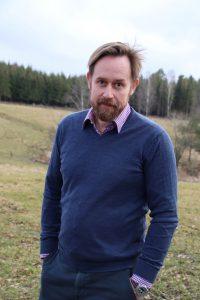 Lars J Nordbye red